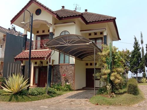 VILLA KUSUMA AGRO KOTA BATU, Malang
