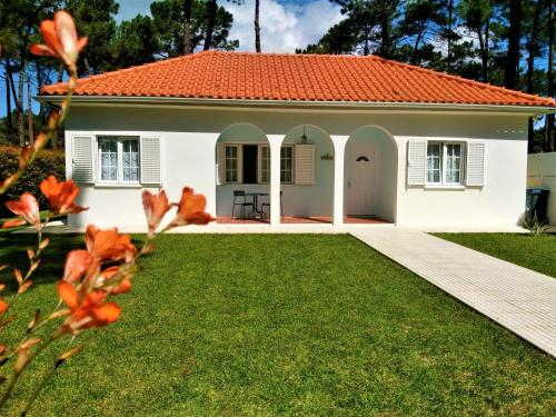 CASA AROEIRA - Beach bungalow near Lisbon, Almada