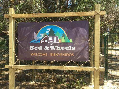 Bed and wheels, Petorca