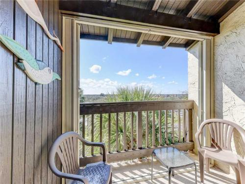 Island House E 225, 2 Bedrooms, Sleeps 4, Ocean View, Pool, Tennis, WiFi, Saint Johns