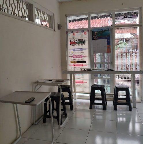 Omah Yanto, Jakarta Timur