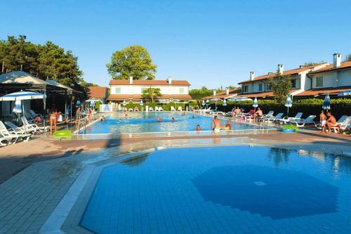 Holiday resort Villaggio Ca' del Pino Bibione Spiaggia - IVN01335-IYA, Venezia