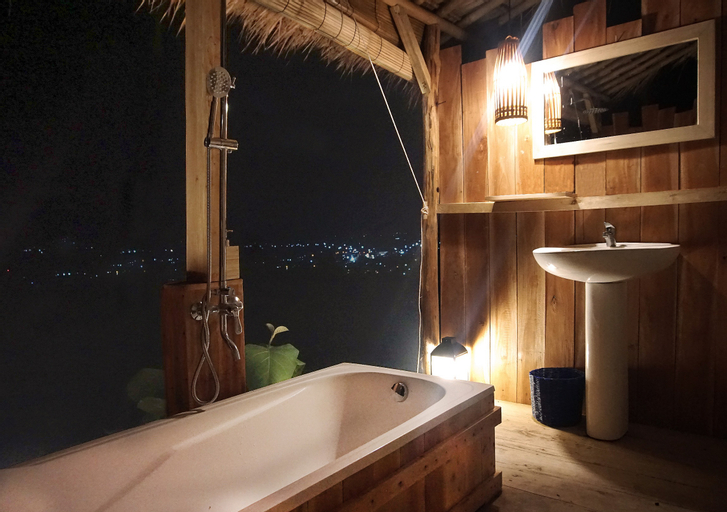 SchitzoHills Forest Resort, Sukabumi