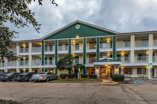 HomeTowne Studios Baton Rouge - Sherwood Forest, East Baton Rouge