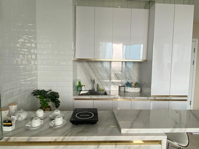 Luxury 2BR at Voila Apartment with Private Lift, Surabaya