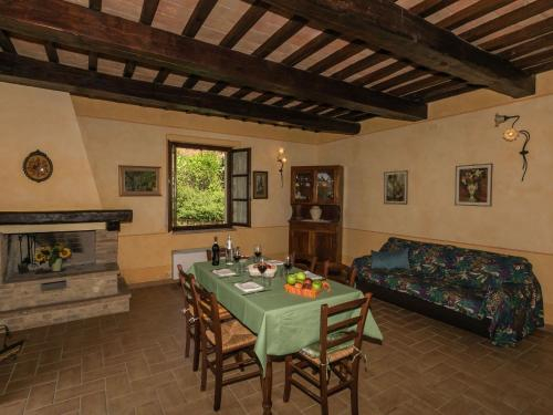 Pink Apartment with Shared Pool in Montoro near Rome, Terni