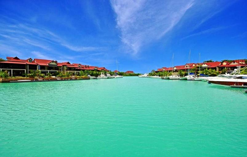 EDEN ISLAND/BEACH FRONT/LUXURY/3 BED ENSUITE/WIFI,