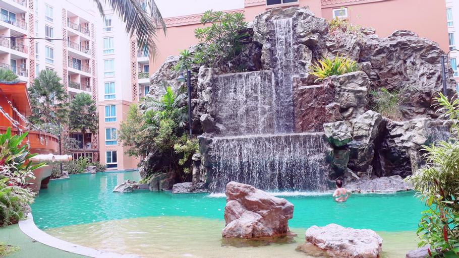 Atlantis Condo by Sompong, Pattaya