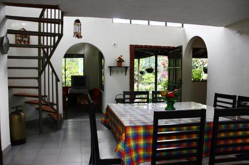 La Provincia Casa Campestre, Rivera