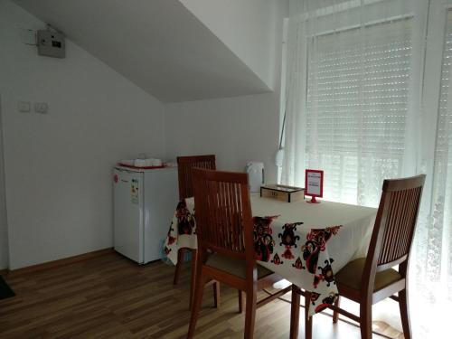 Family House Near Motorway 6 Guests 3 Bedrooms,