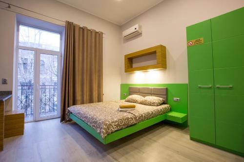 Pushkinskaya Apartments, Kharkivs'ka