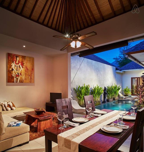 1BR Private villa seminyak,20mint walk 2 the beach, Badung