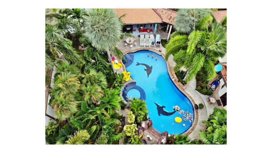 Relaxing Palm Pool Villa & Tropical Iit Garden, Bang Lamung