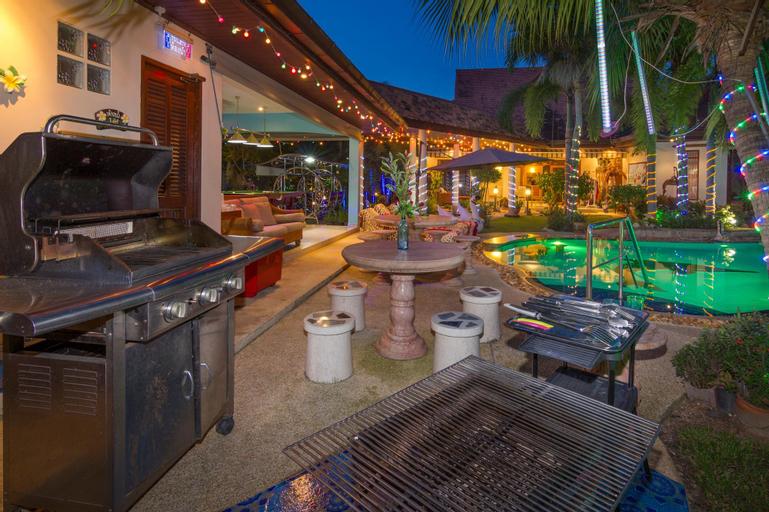 Luxury Holiday Villa, Bang Lamung