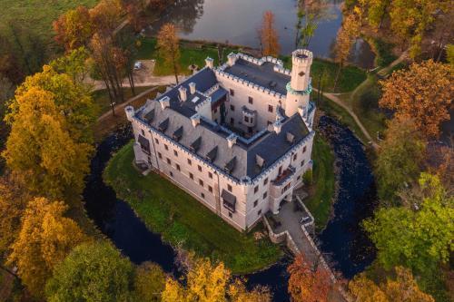 Zamek Karpniki Schloss Fischbach, Jelenia Góra