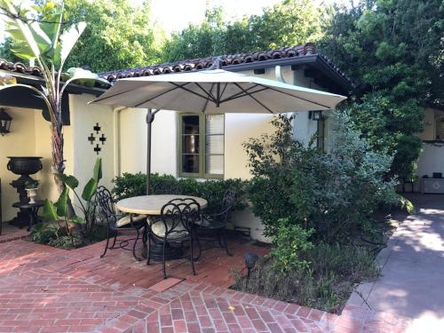 Private Cottage at 5 Star Resort 2 Rooms Suite, Los Angeles