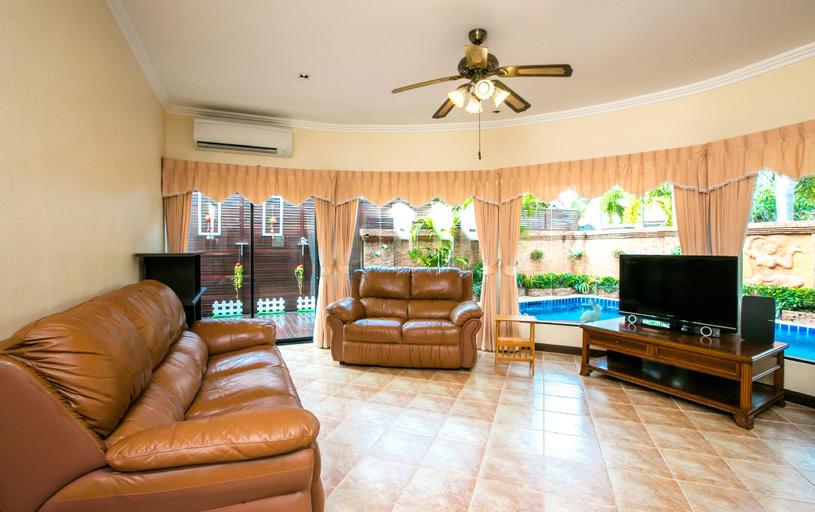 Royal Pool Villa, Pattaya, Bang Lamung