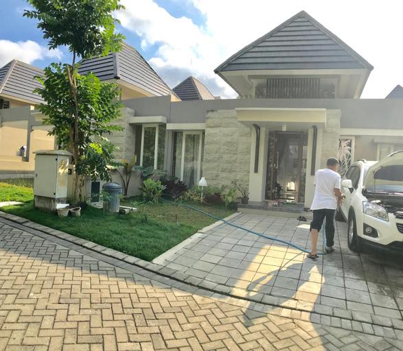 Astaka Calya Guesthouse, Sleman