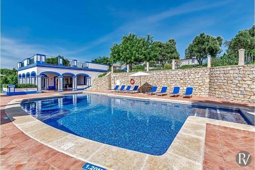 Boliqueime Villa Sleeps 12 Pool Air Con WiFi, Albufeira