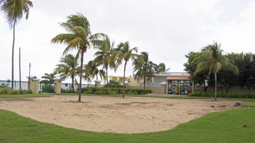 Sandy Cove,