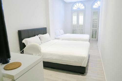Comfy Studio 6 by ReCharge, Singapore River