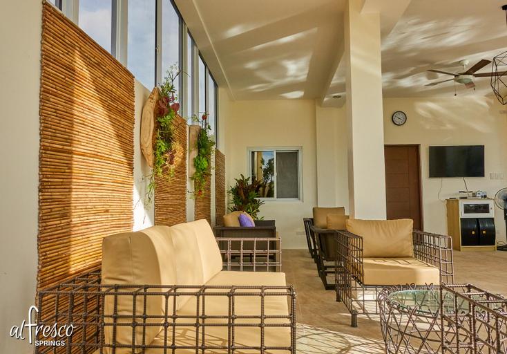 Al Fresco Springs 2 | Hot Spring w/ View-Sleeps 25, Los Baños