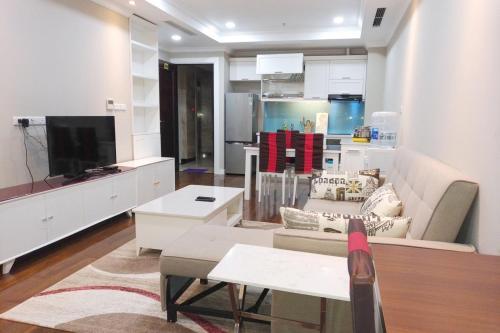 Investland - Luxury apartment in Vincom Ba Trieu, Trieu Viet Vuong, Hai Bà Trưng