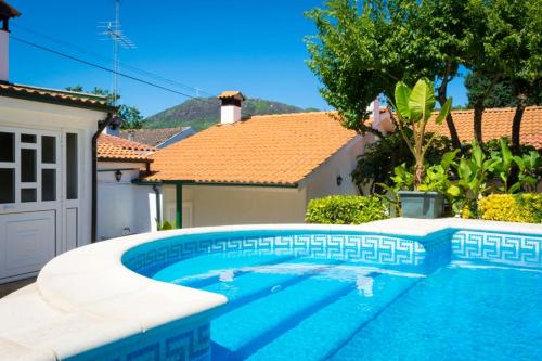Villa with 5 bedrooms in Alvite with wonderful mountain view private pool enclosed garden 2 km from , Cabeceiras de Basto