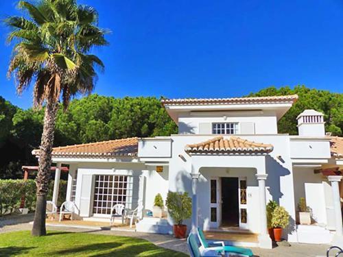 Almancil Villa Sleeps 6 Pool Air Con WiFi T607845, Loulé