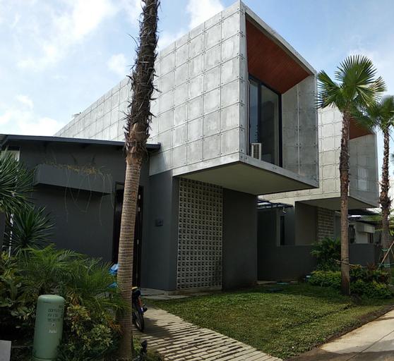 Villa Evan (temporarily closed), Malang