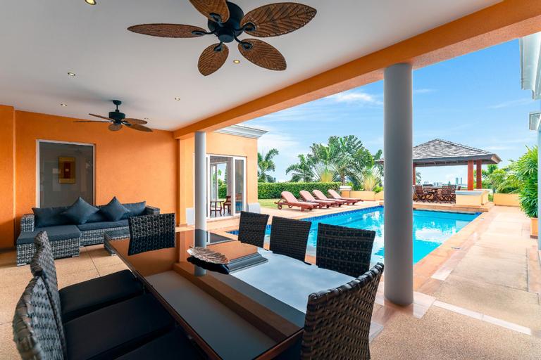 Sunset View Luxury Pool Villa / 4 BR 8-10 Persons, Bang Lamung