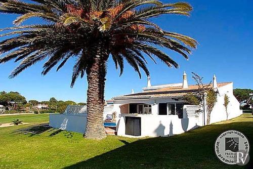 Vale do Lobo Villa Sleeps 4 Pool Air Con WiFi, Loulé
