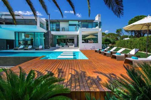 Quinta do Lago Villa Sleeps 8 Pool Air Con T480172, Loulé