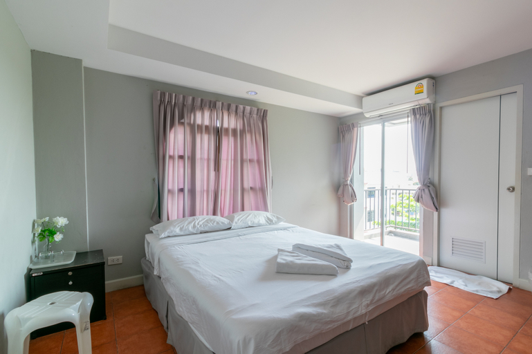 Resortel Lat Phrao 91, Wang Thonglang