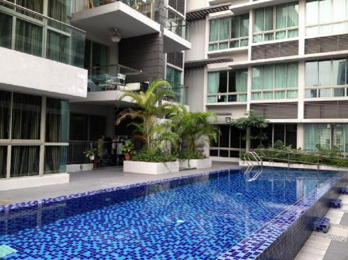 Condo Apartmt with Pool/Gym-minwalk to 3 MRT, Rochor