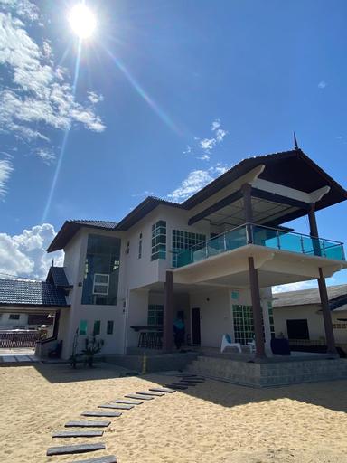 Che Beach House, Marang