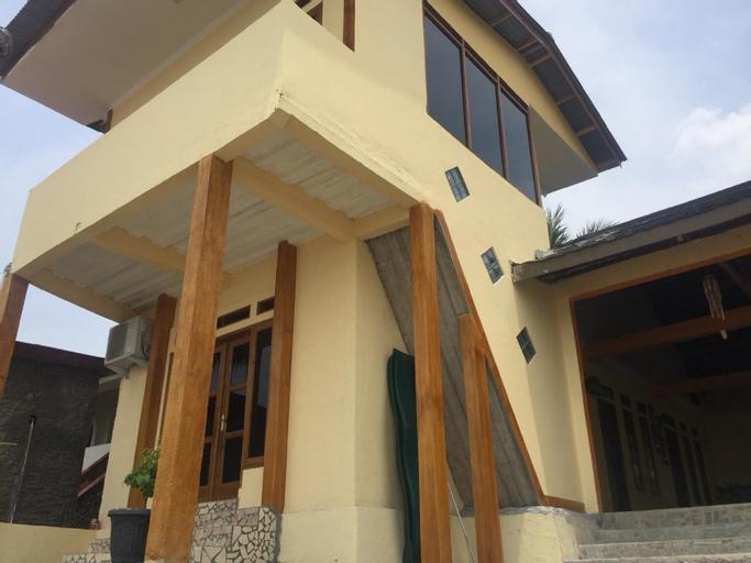 VILLA MILA TEPI PANTAI 2, Sukabumi