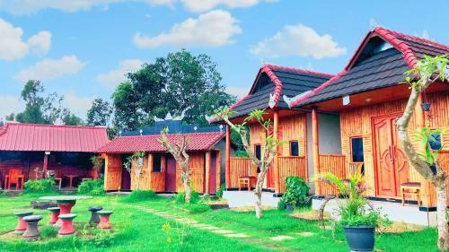 Mt Batur Sunrise Guide & Bamboo Cabins Room, Bangli