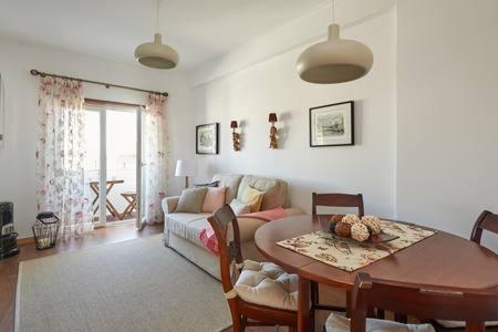 Seven Guest House, Amadora