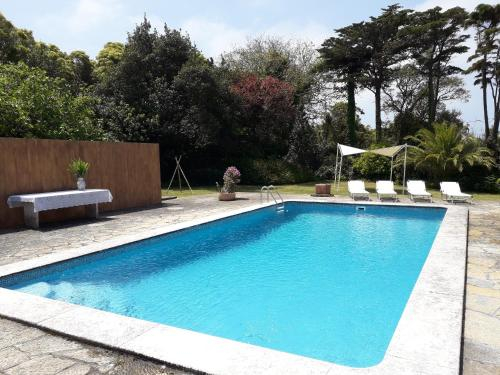 Apartment with 4 bedrooms in Sintra with wonderful mountain view shared pool enclosed garden 5 km fr, Sintra