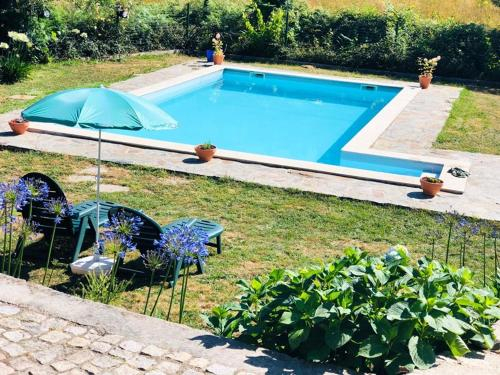 House with 2 bedrooms in Agueda with wonderful mountain view shared pool and WiFi 50 km from the bea, Águeda