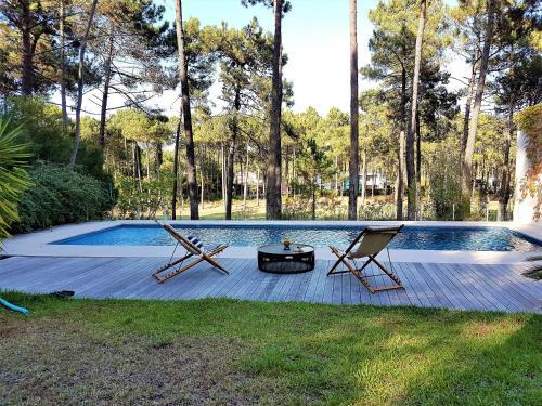 Aroeira Paradise Vila by HOST-POINT, Almada