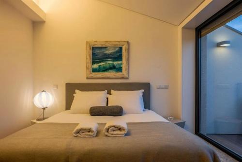 Stylish Duplex Downtown Apartment, Porto