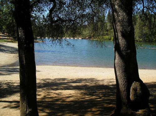 Lake of the Springs Camping Resort Yurt 1, Yuba