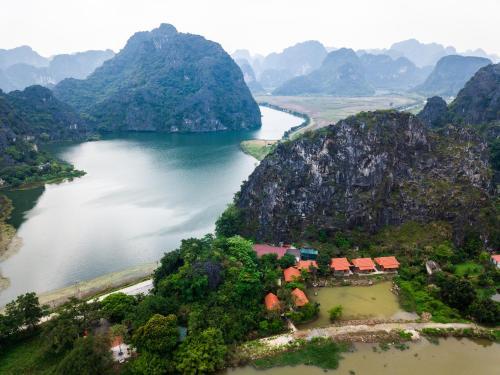 Trang An Lotus Lake Homestay, Hoa Lư