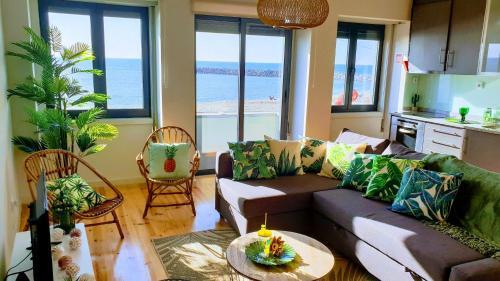 The Shore@GreenCoast - Waterfront Beach House Espinho, Espinho