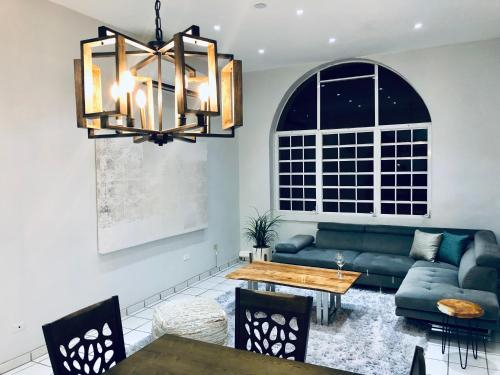 Full Penthouse Downtown PONCE Parking and Wi-Fi,