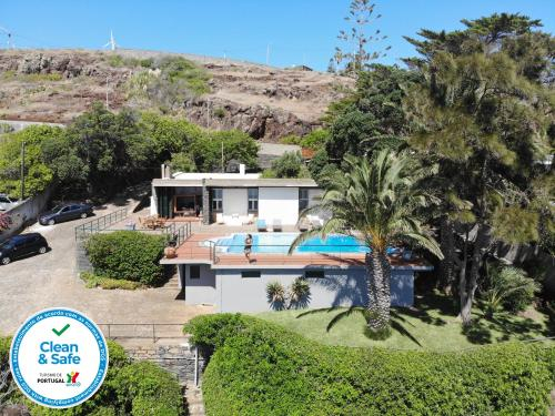 Senhora do Mar - Gorgeous Villa with pool and private sea access, Machico