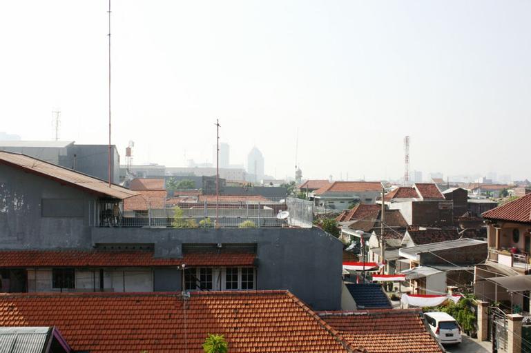 Spacious Downtown-0,9km to Tunjungan Plaza-ROOM 2, Surabaya