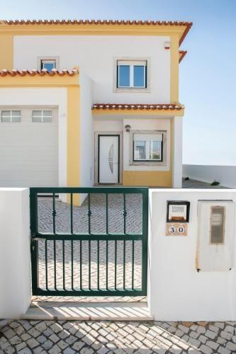 Fabulous Beach House on the Atlantic, Peniche